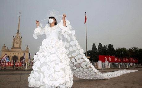 طراحی لباس عروس مناسب هوای آلوده